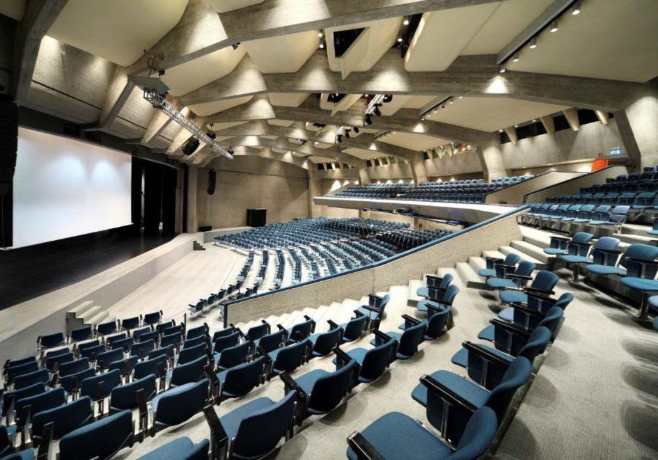 Auditorium (Medium)