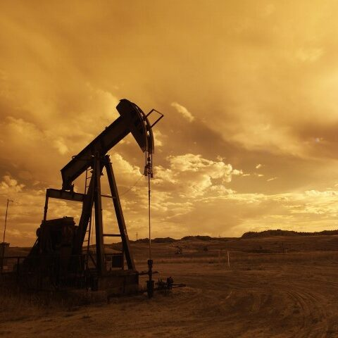 oil-pump-jack-sunset-clouds-silhouette-162568 (Small)